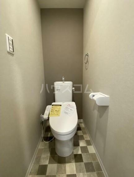 メゾンドエル北新宿 203号室のトイレ