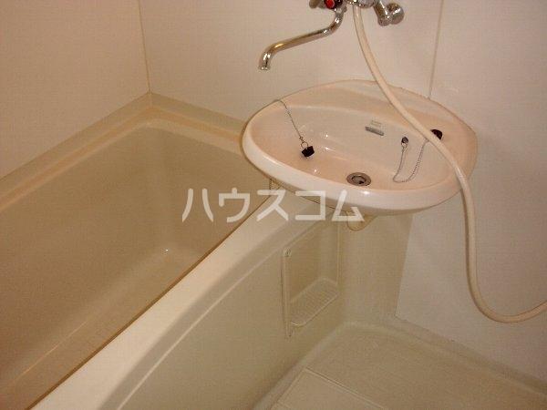 ロジュマンホリエ 202号室の洗面所