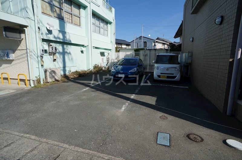 スペースG住吉 211号室の駐車場