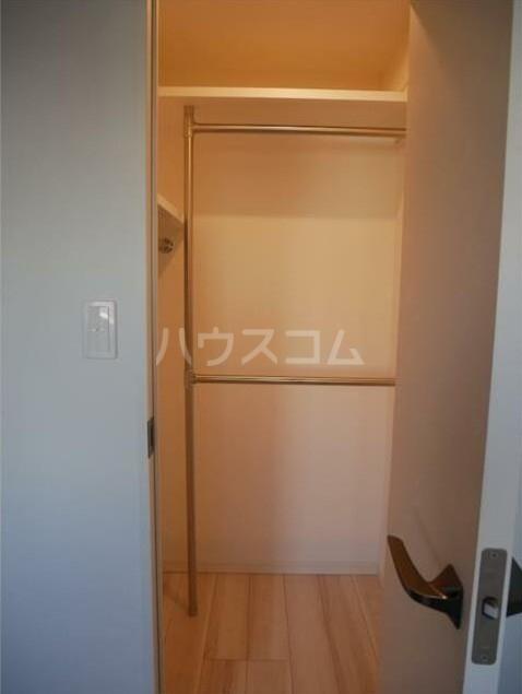 ステージファースト経堂アジールコート 207号室の収納