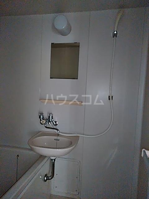 フェリース中央林間B 101号室の洗面所