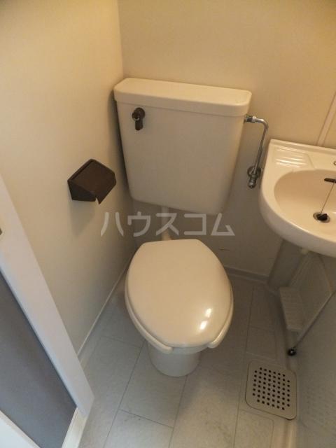 メモリアルプラザ 206号室のトイレ