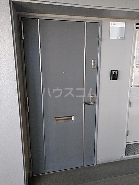 アクティ目黒駅前 1号棟 506号室の玄関