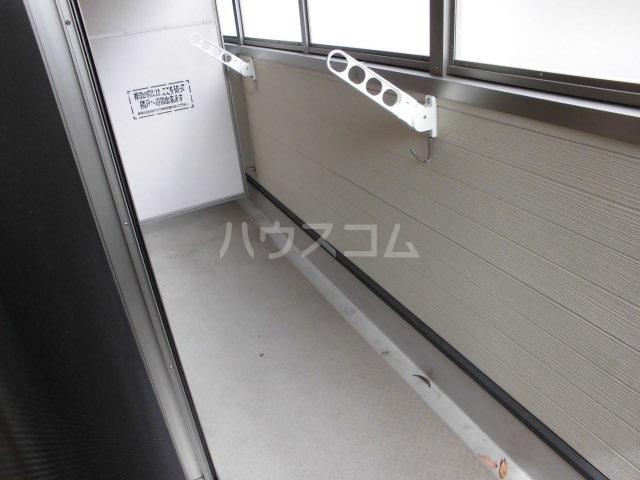 コリーナ宇多野 101号室のバルコニー