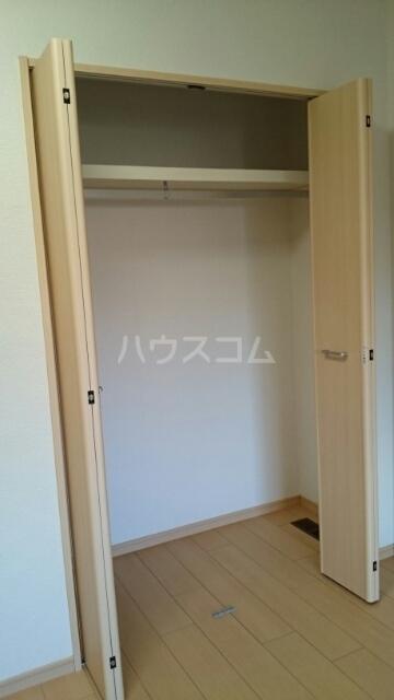 ヴィラ・ニューワールド 01020号室の収納