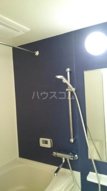 ヴィラ・ニューワールド 01020号室の風呂