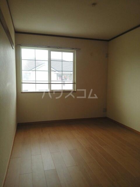プレリーヴA 02010号室の居室