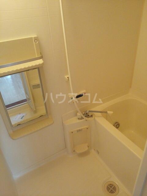 プレリーヴA 02010号室の風呂