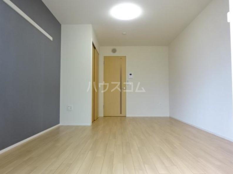 ラパンブルー 101号室のリビング