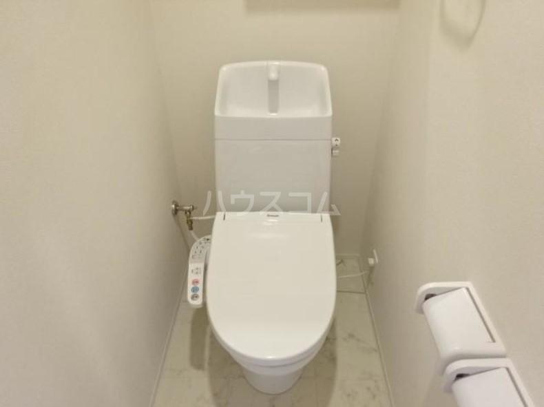 ラパンブルー 107号室のトイレ