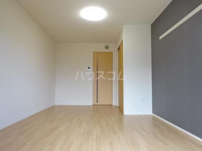 ラパンブルー 108号室のリビング