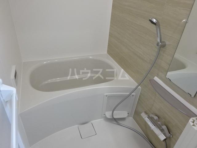 ラパンブルー 201号室の洗面所