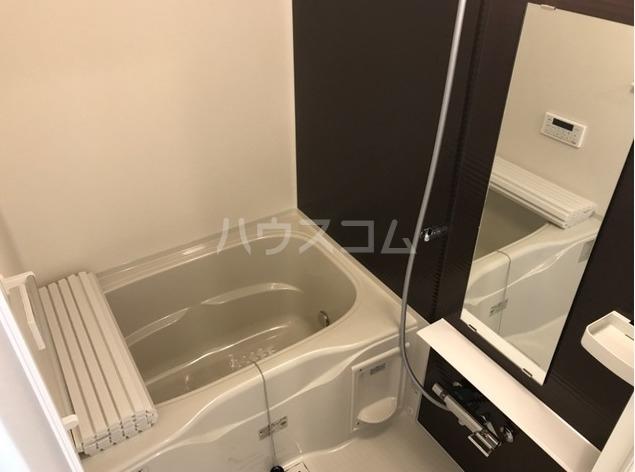 ラパンブルー 202号室の風呂