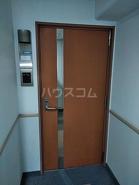 シティコート目黒 4号棟 217号室の玄関