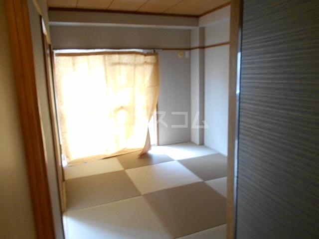 清水ハイツA 206号室の居室