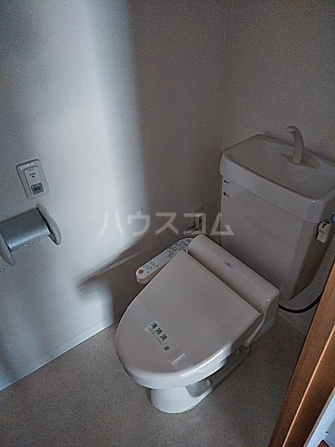 シティコート目黒 4号棟 813号室のトイレ