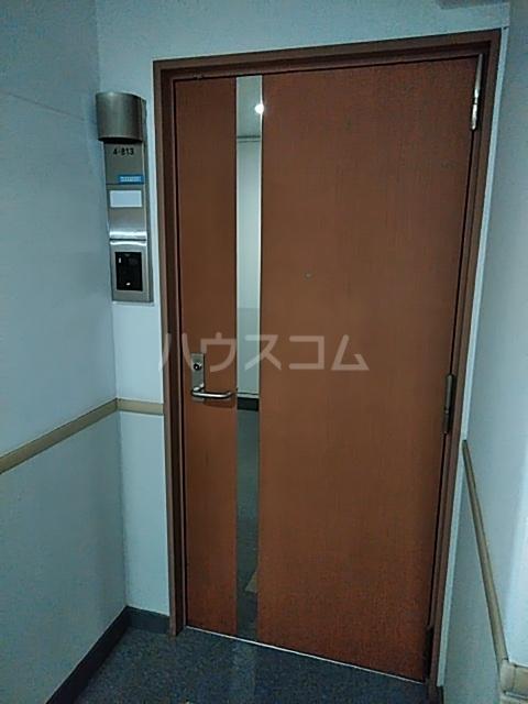 シティコート目黒 4号棟 813号室の玄関