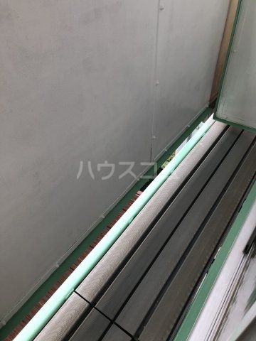 富士見荘 新館 202号室のバルコニー
