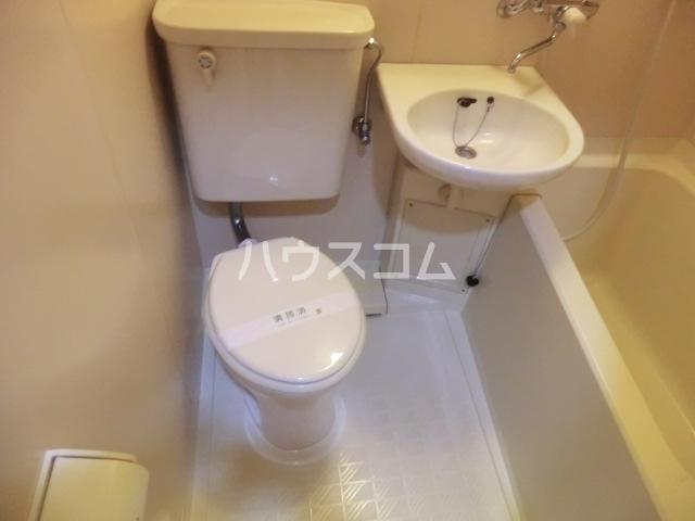 ベルポート八幡山 101号室のトイレ