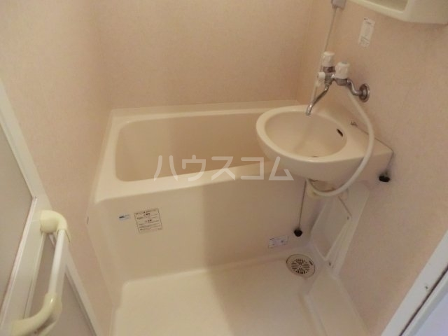 クレセールオギクボ 201号室の風呂