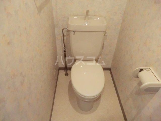 クレセールオギクボ 201号室のトイレ