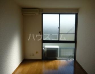 アムール上福岡 107号室のリビング