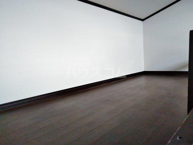 小美玉メゾンオークラ E棟 202号室のベッドルーム