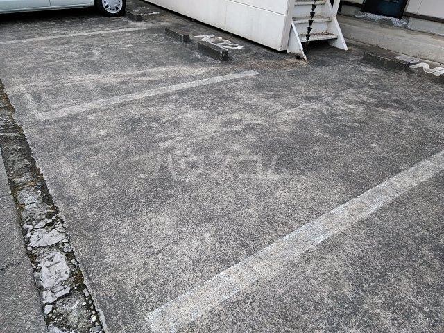 小美玉メゾンオークラ E棟 202号室の収納