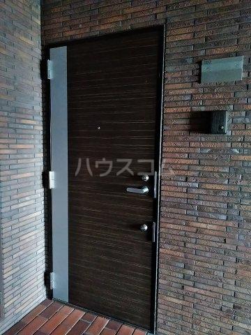 アイビーハウス 102号室の玄関