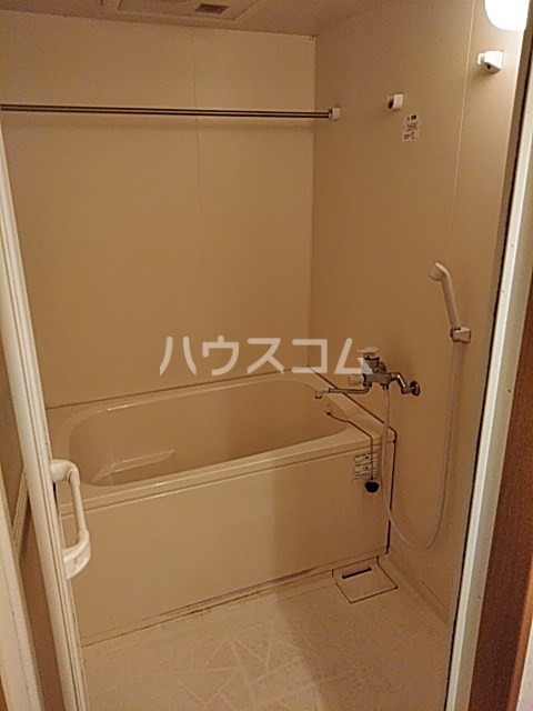 エルミタージュ 401号室の風呂