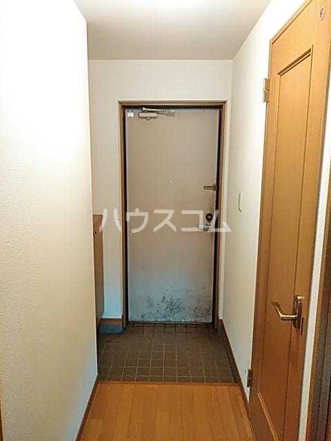 エルミタージュ 401号室の玄関