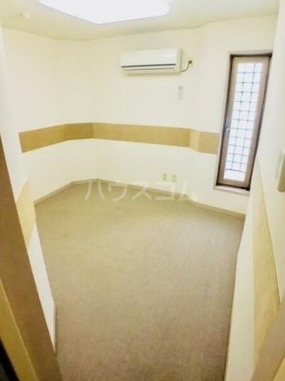 落合ミュージックハイム 106号室の玄関