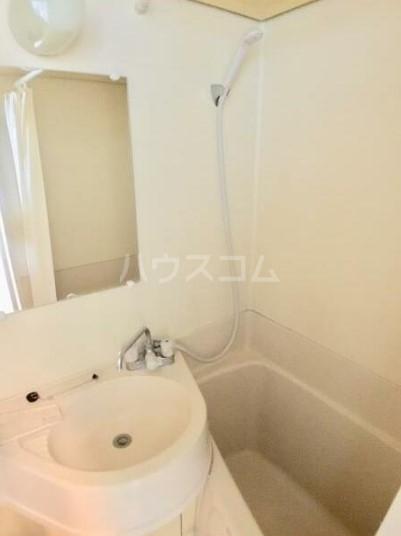 落合ミュージックハイム 106号室の風呂