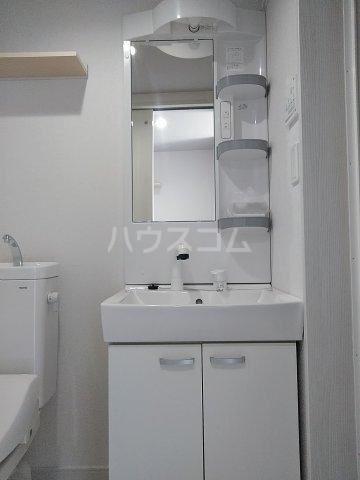 キュステ 101号室の洗面所