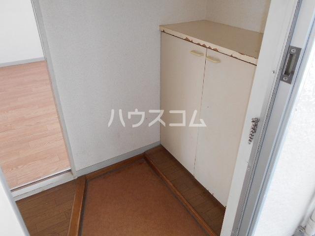 ファミール水瀬 203号室の玄関