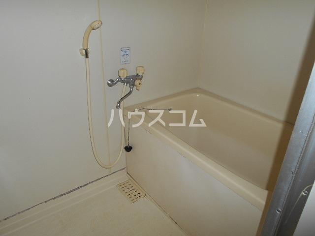 ファミール水瀬 203号室の風呂