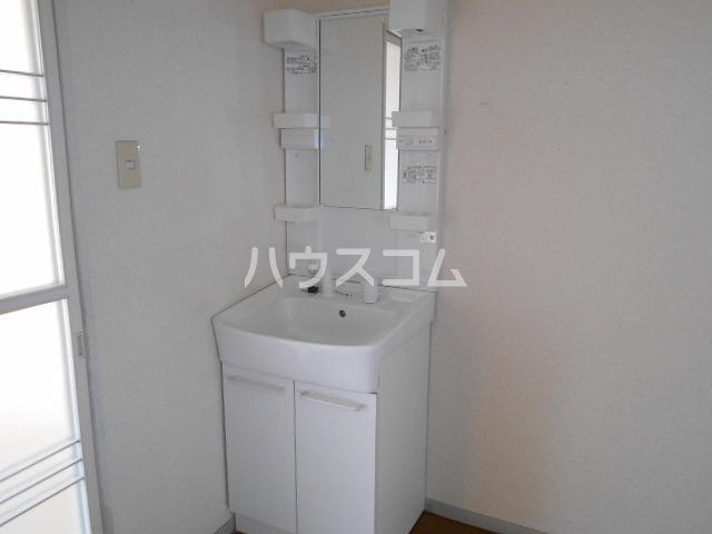 ファミール水瀬 203号室の洗面所
