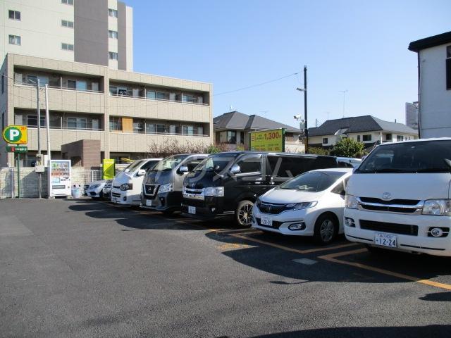 ガーラ・グランディ武蔵小杉 107号室の駐車場