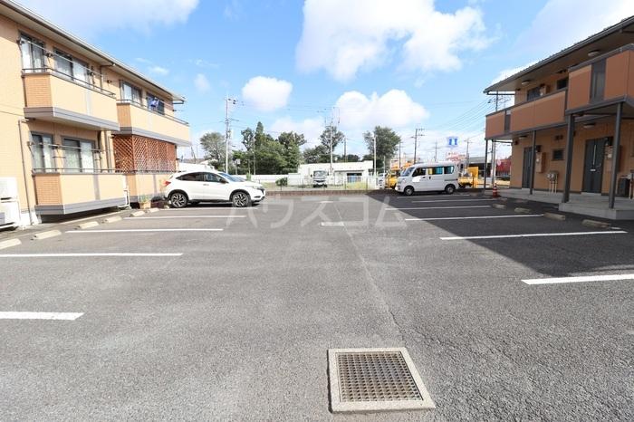 グランパパⅢ 202号室の駐車場