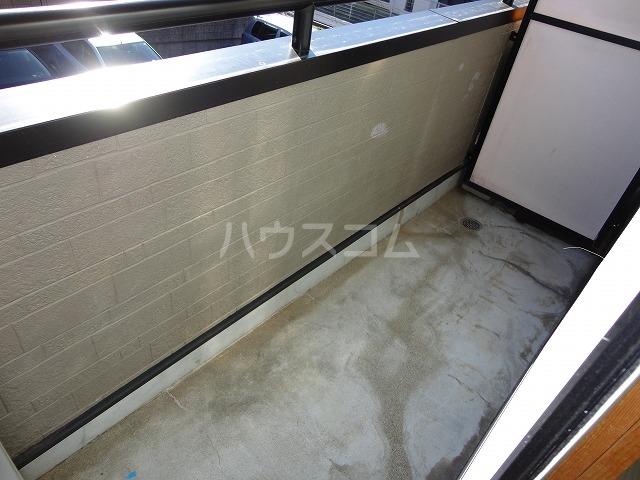 アンブラッセ 202号室のトイレ