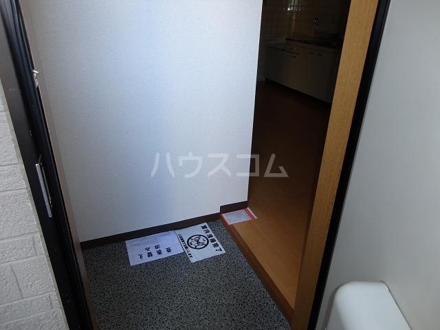 アンブラッセ 202号室の玄関