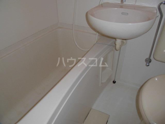 フレクションひばりヶ丘 202号室の風呂