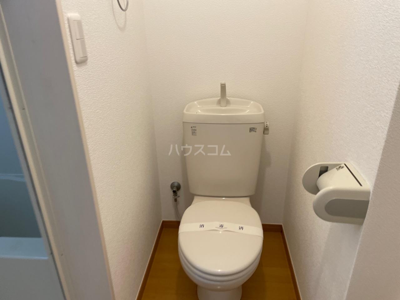 ヒルスミキ上倉田 101号室の風呂