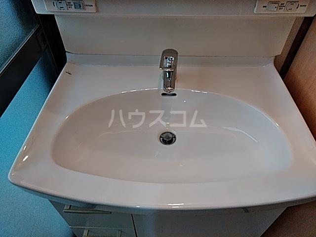 山ノ内北ノ口町貸家の洗面所