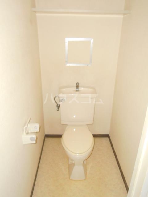 メイクホーム葛西 701号室のトイレ