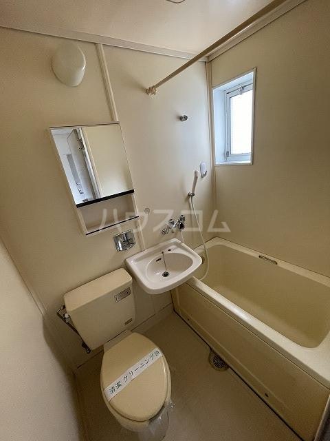 プチメゾン浦和 106号室の風呂