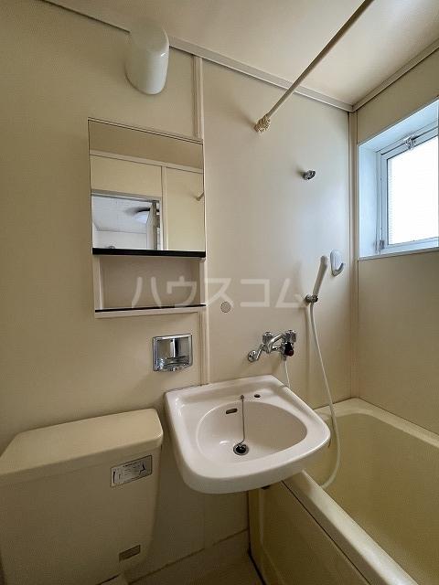プチメゾン浦和 106号室の洗面所