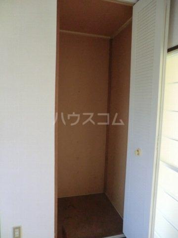 ホワイトハイランドA 201号室の収納