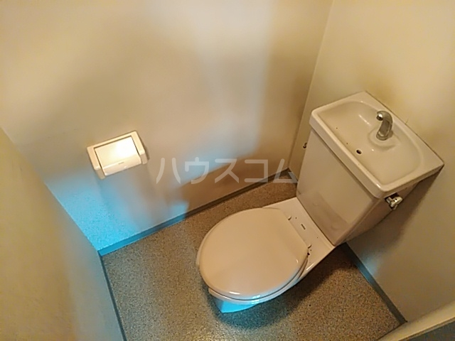 陣屋ビル 301号室のトイレ