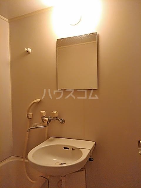 陣屋ビル 301号室の洗面所